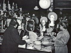 "Trying on hats in Bronzeville, Chicago, 1941. Ph: Jack Delano. ""Bronzeville: Black Chicago in Pictures, 1941-43"" (2003)"