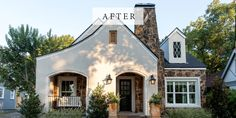 """Well, I just about died over every part of last week's """"Giraffe House"""" fixer upper . Not only did I love getting to see some background on Chip and Joanna's first flips, but the design of this house was exactly my style and so eclectic. Modern Rustic Decor, Modern Farmhouse, Farmhouse Style, Eclectic Decor, Fixer Upper House, Fairytale Cottage, We Buy Houses, House On The Rock, Magnolia Homes"""