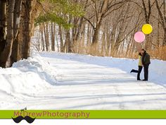 Winter maternity photo ideas. With balloon color announcing girl or boy.