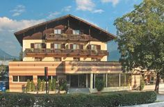 Hotel Erlenhof Kötschach-Mauthen Only 400 metres from Mauthen's shops and cafés, Hotel Erlenhof offers rooms with free Wi-Fi. It also features a climbing wall and a spacious playground for children.  All rooms at Erlenhof come with cable TV.