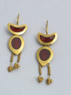 Earrings.  A.D. 2nd-3rd century  Gold, garnet.