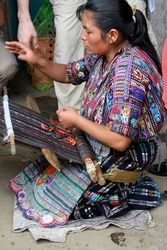 On the July Snapshot Tour we received a private demonstration of backstrap weaving, a classic technique used to create the beautiful textiles in #Guatemala.