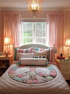 Teen Girl Bedrooms - A dreamy line-up of teen room suggestions. Read the superb post ref 3736792988 today. Girls Bedroom, Teenage Girl Bedrooms, Girl Room, Bedroom Decor, Bedroom Ideas, Indie Bedroom, Bedroom Designs, Pottery Barn Teen, Style Tile