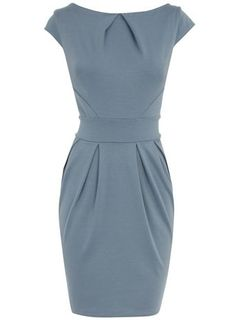 Blue lampshade dress: I love the color and style. Casual Dresses, Dresses For Work, Mode Chic, Work Attire, Work Fashion, Pretty Dresses, Passion For Fashion, Dress To Impress, Beautiful Outfits