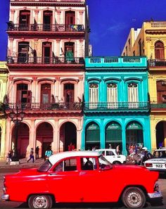 Escape to Cuba on an adventure to this exotic Caribbean island and explore the sultry streets of Havana, visit beautiful Cienfuegos and enjoy sizzling salsa in Trinidad Au Pair, Fly To Cuba, Cuba Culture, Cuba Tours, Cuba Beaches, Che Guevara, Viva Cuba, Caribbean Culture, High School