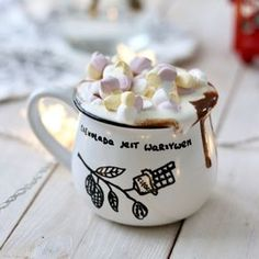Chocolate Dreams, Hot Chocolate, Coffee Deserts, Delicious Desserts, Dessert Recipes, Vintage Sweets, Winter Drinks, Food Journal, Diy Food