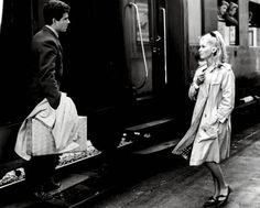 """""""Les Parapluies de Cherbourg"""" Catherine Deneuve"""