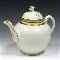 Worcester  teapot decorated in the atelier of James Giles. C. 1768-70