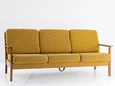 Retro Möbel im neuen Look - wohnen-neuer-look-sofa-vorher-b1