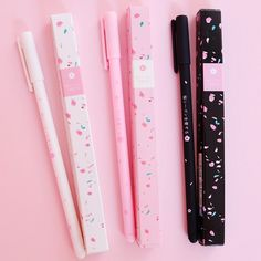 Kawaii Sakura Rollerball Gel Pen Take notes, scribble down your ideas, write messages and doodle in style with this set of three & Pomegranate Gel Ink Pens. They are filled with black gel use. Japanese School Supplies, Cool School Supplies, Office Supplies, Art Supplies, Japanese Stationery, Kawaii Stationery, Stationery Pens, School Suplies, Kawaii Pens