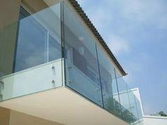 terrasse mit gel nder aus glas selber machen. Black Bedroom Furniture Sets. Home Design Ideas