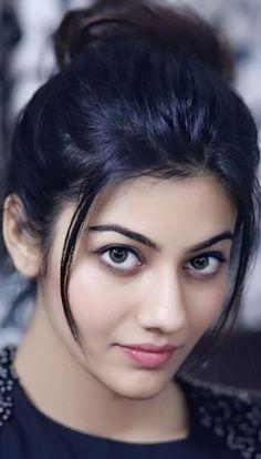 Beautiful Girl Indian, Beautiful Saree, Beautiful Women, Girl Number For Friendship, Cute Beauty, Women's Beauty, Cute Young Girl, Actors Images, India Beauty