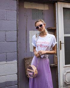 "NEST Boutique + DIY Studio on Instagram: ""Gameday babes we got your GEAR! 🥂 Gameday & Rosé tee at our BV location. . . . 📸: @brittanylyn.photo Gameday babe: @elizabethsslade Hair:…"" Clear Handbags, We, Boutique, Studio, Location, Instagram, Hair, Fashion, Knots"