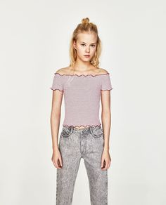 Image 1 of OFF-THE-SHOULDER CROPPED TOP from Zara