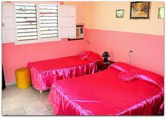 Detalle  de la habitación 1. Patio, Trinidad, Lounge, Couch, Bed, Furniture, Home Decor, Chair, Airport Lounge