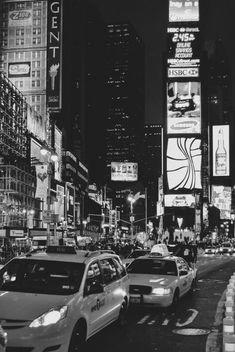 Gray Aesthetic, Black Aesthetic Wallpaper, Night Aesthetic, Black And White Aesthetic, Aesthetic Wallpapers, Black And White Picture Wall, Black And White Wallpaper, Dark Wallpaper, Black And White Pictures