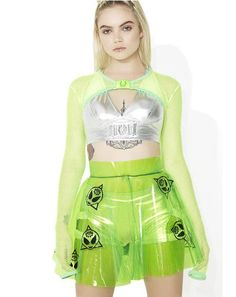 Alien Clear PVC Skirt I'm in love with everything about this space themed outfit, especially the clear alien skirt. This color green is one of my favorites, I love the metallic silver crop top with the fashionable little overcoat type piece as well. Punk Outfits, Rave Outfits, Cool Outfits, Fashion Outfits, Space Fashion, Look Fashion, Fashion Design, Ghana Fashion Dresses, Galaxy Skirt