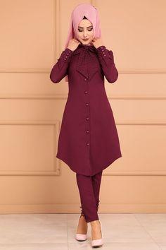 KOMBİN İnci Detay 2 Li Kombin ASM2083 Bordo Street Hijab Fashion, Abaya Fashion, Muslim Fashion, Fashion Pants, Fashion Dresses, Lovely Dresses, Simple Dresses, Casual Dresses, Hijab Style Dress