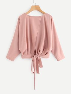 Shop Overlap Tie Back Sweatshirt online. SheIn offers Overlap Tie Back Sweatshirt & more to fit your fashionable needs. Teen Fashion Outfits, Cute Fashion, Fashion Dresses, Muslim Fashion, Hijab Fashion, Blouse Styles, Blouse Designs, Hijab Stile, Jugend Mode Outfits