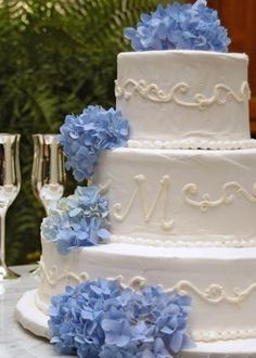 Hochzeitstorte mit Monogramm - Hochzeitstorte -
