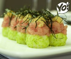 Maguro Shigue - Atum, ovas de masago e farofa de wasabi - TokYo! Restaurante Café Londrina #soutokyo #restaurante #japones #londrina #rodizio #japanese #food #chef #adriano #kanashiro #cooking