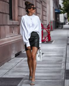 Discovered by Find images and videos about fashion, outfit and look on We Heart It - the app to get lost in what you love. Korean Skirt Outfits, Skirt Outfits Modest, Dressy Skirts, Modest Skirts, Other Outfits, Mode Outfits, Casual Outfits, Fashion Outfits, Fashion Clothes