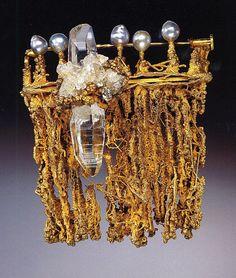 Brooch: Stanley Lechtzin, 1967, 14k gold, quartz, baroque pearls, silver