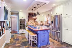 There are numerous options available for kitchen flooring. Take a look at some gorgeous spaces designed by DIY…