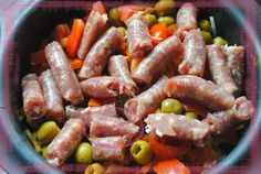 MIJOTE DE SAUCISSES A L'ULTRA PRO Tupperware Recipes, Ultrapro Tupperware, Charcuterie, Ravioli, Sausage, Curry, Brunch, Menu, Food And Drink