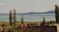 A BALATON ÉSZAKI PARTJÁN, SZIGLIGETEN, PANORÁMÁS NYARALÓ ELADÓ. WEEKEND HOUSE FOR SALE! ON THE NORTH SIDE of Lake Balaton, Hungary.FERIENHAUS MIT PANORAMA, IN SZIGLIGET ZU VERKAUFEN.