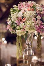 Stunning wedding centerpieces & table decor. More Wedding Planning tips, Unique ideas & Inspiration  www.my-best-friends-wedding.com
