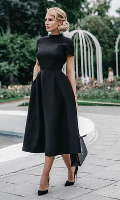 casual dress for funeral best outfits is part of Black dresses classy - Take a look at the best casual dress for funeral in the photos below and get ideas for your outfits! Black & midi, the perfect combo for classy! Stylish Dresses, Cute Dresses, Beautiful Dresses, Short Dresses, Fashion Dresses, Dresses For Work, Dress Casual, Dress Formal, Casual Shoes