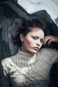 Jacaranda Sweater. #handknit #merinowool #AW #Fashiondesign #knitwear #albaknitwear