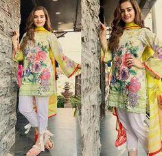 Image in pakistan🇵🇰fashion👠💋👗 collection by AshKhan Beautiful Pakistani Dresses, Pakistani Formal Dresses, Pakistani Fashion Casual, Pakistani Dress Design, Pakistani Outfits, Pakistani Lawn Suits, Stylish Dresses For Girls, Stylish Dress Designs, Designs For Dresses