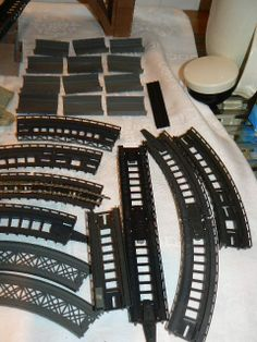N Scale Buildings, Garden Railroad, N Scale Trains, Road Train, Model Ships, Ho Scale, Airports, Model Trains, Scale Models