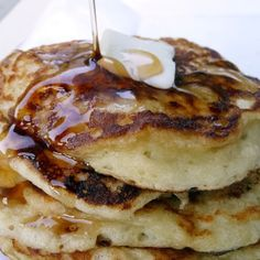 Greek Yogurt Pancakes - 6oz greek yogurt, 1 egg, flour & baking soda - must try - filed in my recioe binder, Lisa A.