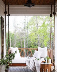 outdoor swing bed on the porch // A Mississippi Home That Gave New Life to an Old Farmhouse Outdoor Spaces, Outdoor Living, Outdoor Decor, Outdoor Kitchens, Porche Chalet, Farmhouse Front Porches, Farmhouse Porch Swings, Swing Design, Patio Swing