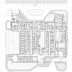 Image 20 of 51 from gallery of Hospitals and Health Centers: 50 Floor Plan Examples. via Santiago Viale + Ian Dutari + Alejandro Paz Healthcare Architecture, Architecture Plan, Residential Architecture, Contemporary Architecture, Hospital Floor Plan, Hospital Plans, Villas, Archdaily Mexico, Foster Partners