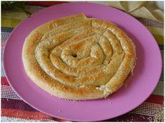Il burek è una torta salata diffusa in Turchia e nei Balcani, soprattutto in Albania, ripiena solitamente di carne, formaggio o mele. Il nome del burek o Albania, Pie, Desserts, Recipes, Food, Rabbit, Pies, Torte, Tailgate Desserts