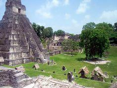 Explora su legado y déjate sorprender por sus maravillas naturales, centros ceremoniales y todo el esplendor de la civilización Maya. Revive su historia al visitar místicos lugares como Tikal, Yaxhá o Ceibal en #Guatemala con Viajes Palacio.