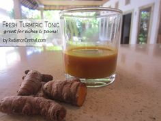 How To Make A Healing Tonic From Fresh Turmeric - Radiance Central Tumeric Tonic, Fresh Turmeric, Turmeric Tea, Whole Food Diet, Whole Food Recipes, Juice Recipes, Homemade Moisturizer, Juice Fast, Keep It Cleaner
