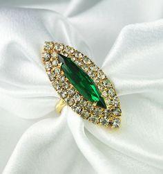 Vintage Diamante Rhinestone Emerald Green Glass Navette Cocktail Ring