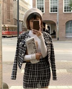 heyhegia in Karina Bouclé Tweed Set🖤 Tap image to shop 💋 Fashion Mode, Look Fashion, Autumn Fashion, Fashion Design, Petite Fashion, Curvy Fashion, Latest Fashion, Classy Outfits, Chic Outfits