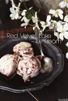 Red Velvet Cake Ice Cream - a super series summer finale - Pass The Sushi Frozen Desserts, Frozen Treats, Just Desserts, Dessert Recipes, Red Velvet Ice Cream, Red Velvet Recipes, Ice Cream Ingredients, Homemade Ice Cream, Ice Cream Recipes