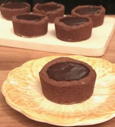 Soft and chewy cookie cups with a deliciously smooth chocolate pudding filling! A perfect chocolate indulgence!