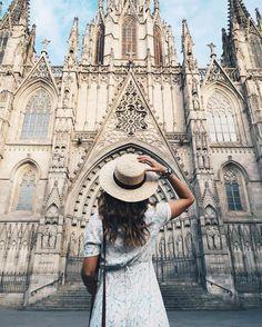 Collage Vintage, Catedral Gotica Barcelona Buscando La Casona por Atilio amado dueño en fotos , amando y protegido
