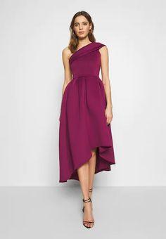 Robes Midi, Dress Robes, Dress Up, Lila Outfits, Purple Outfits, Batik Mode, Batik Fashion, Midi Cocktail Dress, Engagement Outfits
