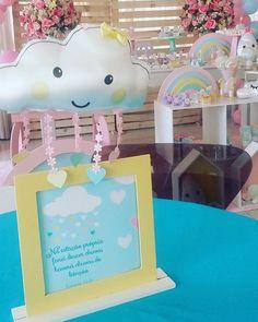 Centro de mesa encantador!  #cloudsparty #festachuvadebencaos #festachuvadeamor #festatop #festasinfantisdf #festaspersonalizadasdf  #festas #festainfantil #festachadebebe #festaparameninas #festainesquecivel