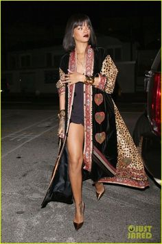 Rihanna in Statement Coat.Flirty Playsuit Rihanna in a vintage Moschino Couture coat and Christian Louboutin shoes. Rihanna Outfits, Style Rihanna, Looks Rihanna, Rihanna Mode, Rhianna Fashion, Rihanna 2014, Rihanna Riri, Party Looks, Estilo Beyonce