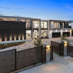 What do you think of this new Encino home listed for 89 Million Via eriors By theguyazar Mansion Interior, Dream House Interior, Luxury Homes Dream Houses, Dream Home Design, Modern House Design, Modern Mansion, Modern Architecture House, Amazing Architecture, House Goals